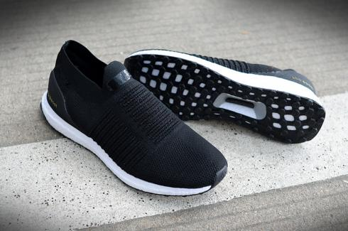 Adidas UltraBOOST Laceless Black White