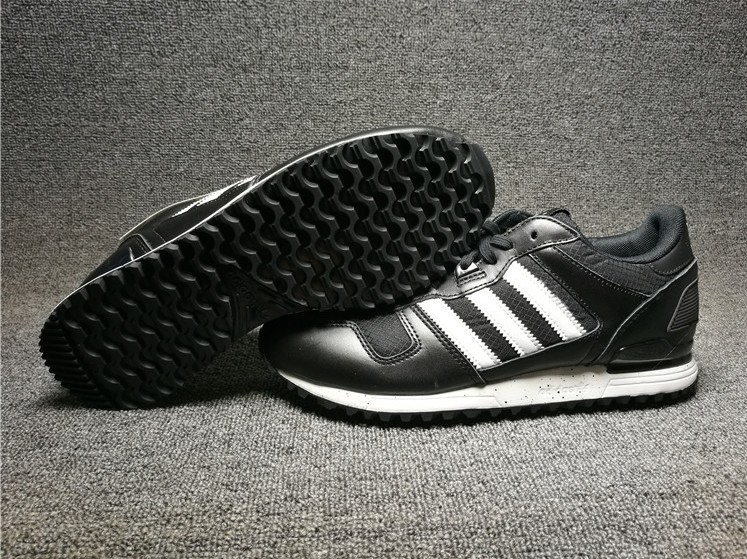Adidas Originals ZX 700 W Black White Womens Classic Shoes SNEAKERS S78938