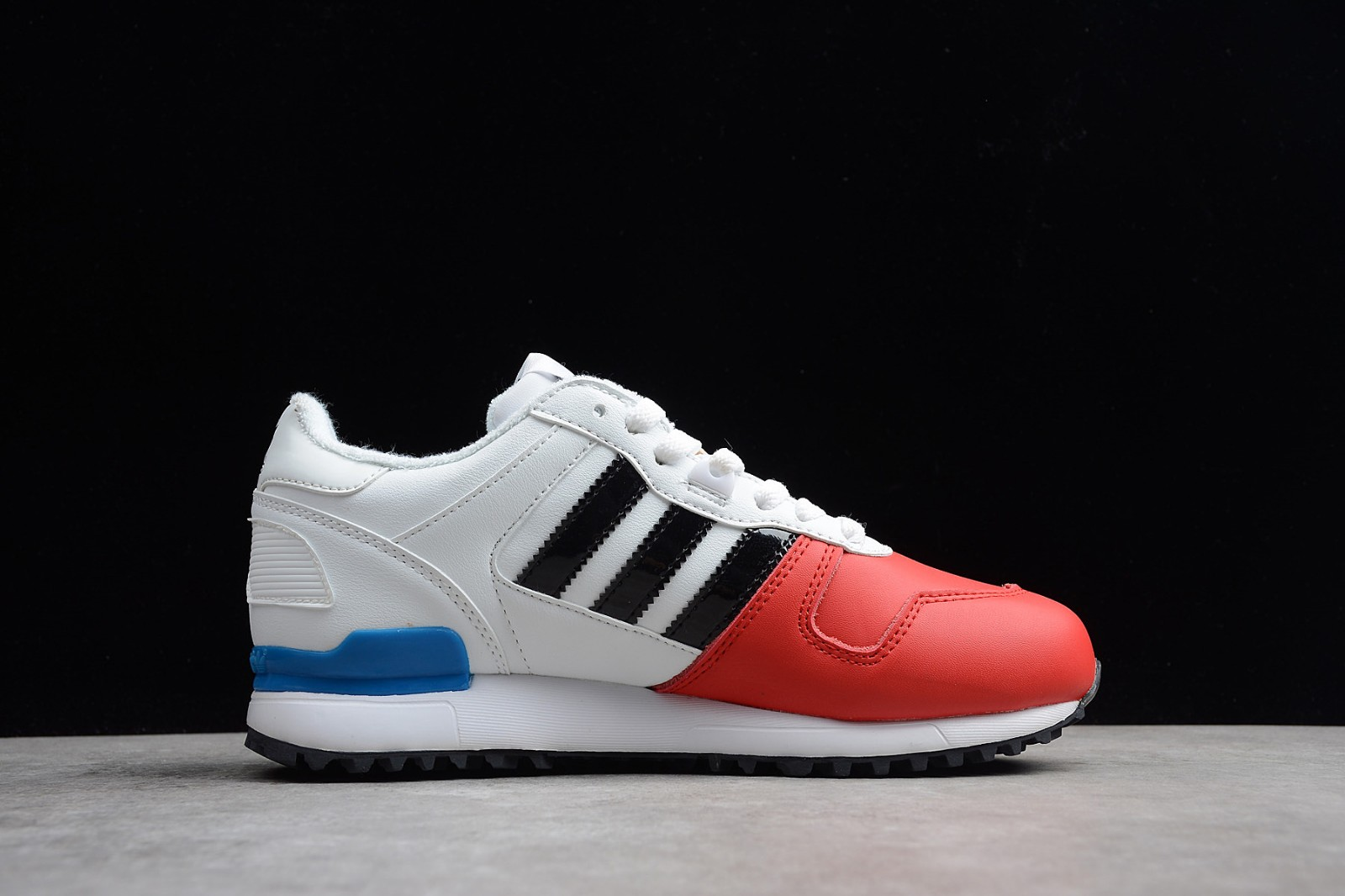 competitive price c482d 0ee06 Adidas Originals ZX 700 White Red Black AQ5316